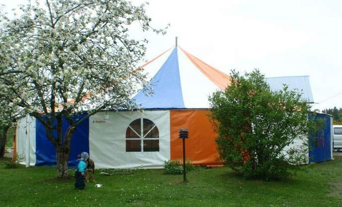 Teltan suojassa järjestyy helposti niin syntymäpäivät, häät kuin muutkin juhlatapahtumat